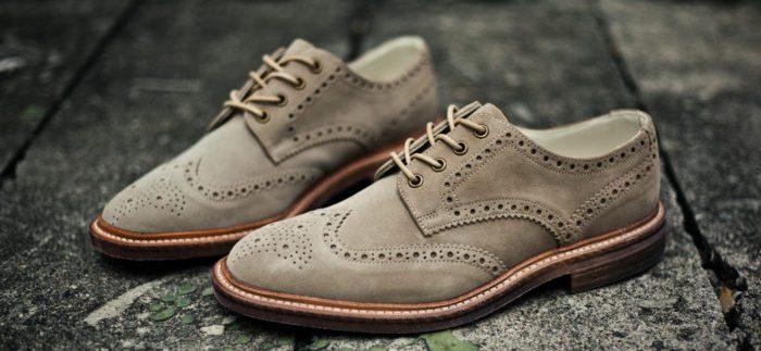 Замшевая обувь - правильный уход