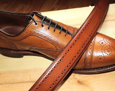 Как подобрать ремень к обуви правильно