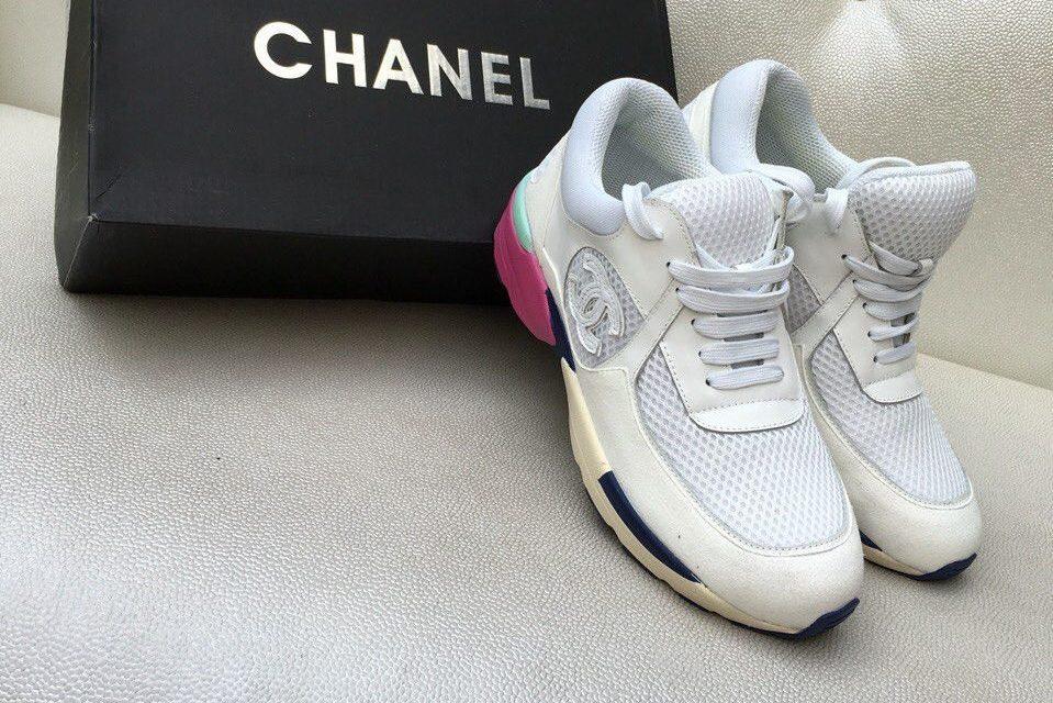 Уход за обувью - чистка белых кроссовок